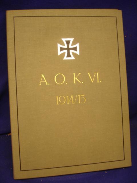 Das Armee-Oberkommando VI. im Kriege 1914/15. Nach dem Leben gezeichnet. Sehr seltene Mappe mit insgesamt 45 Porträtskizzen der Angehörigen des AOK VI. Jeder der Porträttafeln mit den Abmessungen 30x20 cm.